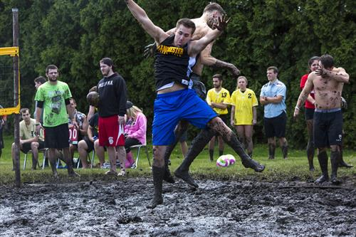 Mud Volleyball 2