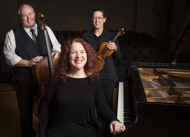 Pamela Hayes, Elizabeth Smith and Robert Lynn will perform Sept. 17.