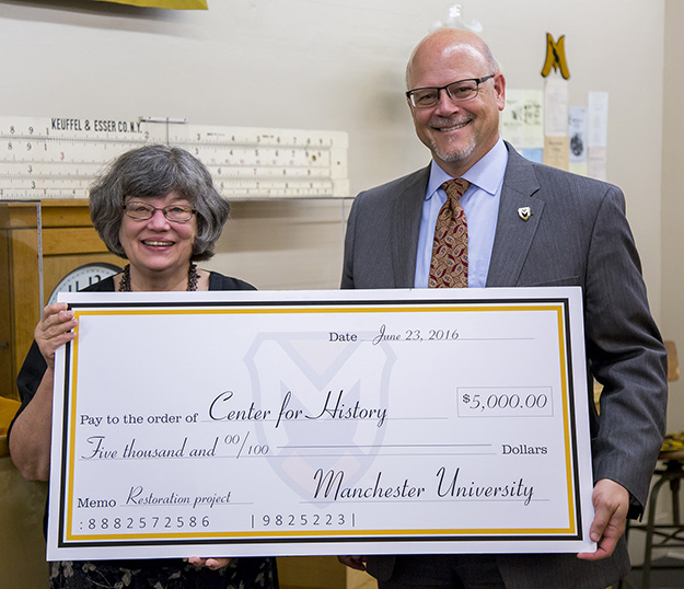 Check presentation at the Center for History